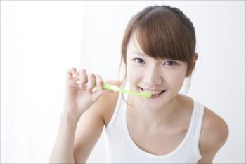 就寝前の歯磨き